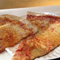 6/20/2012에 Dan M.님이 T. Anthony's Pizzeria에서 찍은 사진