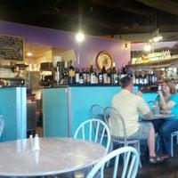 Das Foto wurde bei Romeo's Euro Cafe von Aaron G. am 7/20/2012 aufgenommen