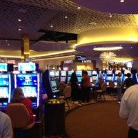Photo prise au Eldorado Gaming Scioto Downs par Eddie S. le6/1/2012