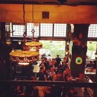 Das Foto wurde bei The Breslin Bar & Dining Room von Andy S. am 4/24/2012 aufgenommen