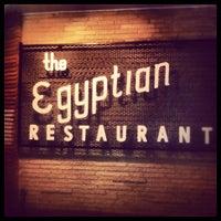 Das Foto wurde bei Campisi's Restaurant - The Egyptian Lounge von Sean M. am 9/3/2012 aufgenommen
