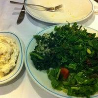 รูปภาพถ่ายที่ Cunda Balık Restaurant โดย Ayfer S. เมื่อ 9/1/2012