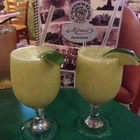 Foto tomada en Curra's Grill por Lynn el 7/27/2013