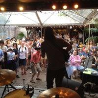 Foto scattata a House of Blues Restaurant & Bar da Lon M. il 4/12/2013