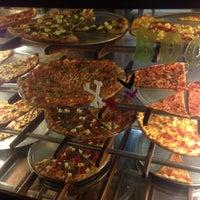 Foto scattata a Pizzeria Luigi da Spencer A. il 11/2/2012
