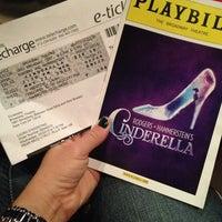 Foto tirada no(a) Cinderella on Broadway por Gina D. em 5/22/2013