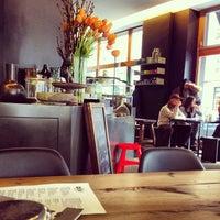 Das Foto wurde bei Café Oliv von Doris S. am 2/9/2013 aufgenommen