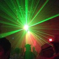 Das Foto wurde bei Sugarland Nightclub von Matt am 7/14/2013 aufgenommen