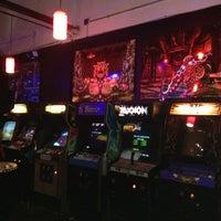 Das Foto wurde bei Player 1 Video Game Bar von NYC Brunch Babes am 6/14/2013 aufgenommen