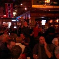 Foto tirada no(a) McLean's Pub por Rashta K. em 3/16/2013