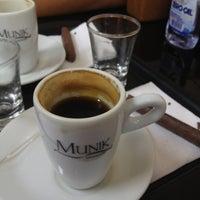 Das Foto wurde bei Munik Chocolates von Carlos N. am 10/24/2012 aufgenommen