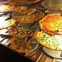 Foto scattata a Pizzeria Luigi da Zach S. il 11/5/2013