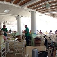 Photo prise au Elia Mediterranean Restaurant par Constantinos A. le7/22/2013