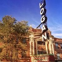 Das Foto wurde bei Logan Theatre von David P. am 9/30/2013 aufgenommen