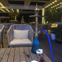 รูปภาพถ่ายที่ Kalyan Lounge - Hyatt Regency โดย Elhan M. เมื่อ 7/3/2015