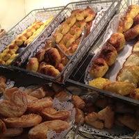 Foto diambil di Panizza Bistro oleh Sarah E. pada 10/22/2012