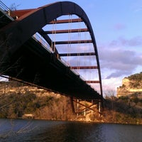 Снимок сделан в 360 Bridge (Pennybacker Bridge) пользователем Kelli T. 1/27/2013