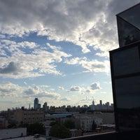 Das Foto wurde bei Sunset Lounge von Roberto M. am 5/18/2014 aufgenommen
