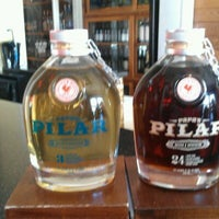 Foto tirada no(a) Rum Bar at the Speakeasy Inn por Bahama Bob L. em 4/10/2013