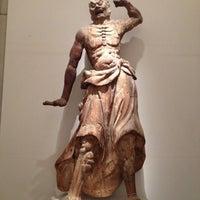 Снимок сделан в Freer Gallery of Art пользователем Sara 12/21/2012