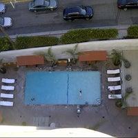 8/22/2013 tarihinde Adam K.ziyaretçi tarafından Hotel Angeleno'de çekilen fotoğraf