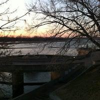 Foto tomada en Riverside Park por Ashley V. el 3/13/2013