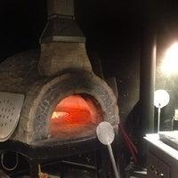 Foto diambil di Artigiano Pizza Rústica oleh Rodrigo V. pada 1/6/2013