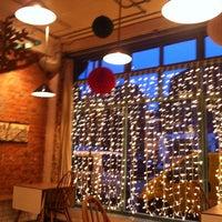 Foto scattata a The Book Club da Katerina A. il 12/19/2012