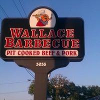 Foto diambil di Wallace Barbeque oleh John M. pada 10/9/2012