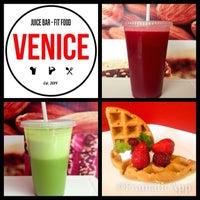 Foto diambil di Venice Juicebar & Fitfood oleh Ismael V. pada 2/20/2014