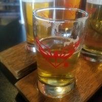 Foto diambil di ChuckAlek Independent Brewers oleh Rex C. pada 8/4/2017
