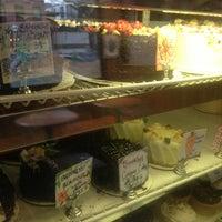Foto diambil di Ladybird Bakery oleh Ashrin C. pada 1/12/2013