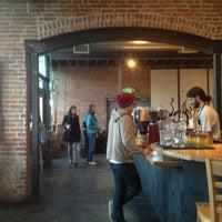 Das Foto wurde bei Denver Bicycle Cafe von Tim J. am 1/20/2013 aufgenommen