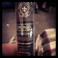 Foto tirada no(a) Smoky's Tobacco and Cigars por Ben B. em 8/2/2013
