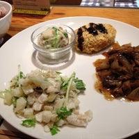 12/9/2012 tarihinde Kentaro O.ziyaretçi tarafından Café & Meal MUJI'de çekilen fotoğraf