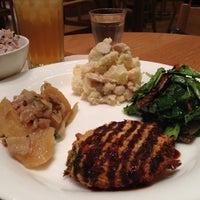 10/1/2012 tarihinde Kentaro O.ziyaretçi tarafından Café & Meal MUJI'de çekilen fotoğraf