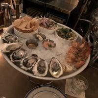 Foto tomada en Ironside Fish & Oyster por Maureen H. el 11/11/2018
