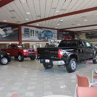 Wolfchase Toyota Auto Dealership