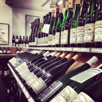 Das Foto wurde bei Chambers Street Wines von Greg B. am 12/8/2012 aufgenommen