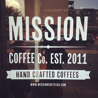 Foto tomada en Mission Coffee Co. por Benjamin G. el 9/21/2013