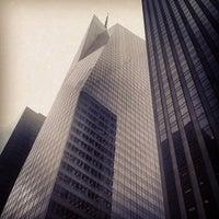Foto tirada no(a) Bank of America Tower por Eric M. em 7/1/2013