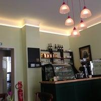 4/19/2014 tarihinde Nadineziyaretçi tarafından Café Pfau'de çekilen fotoğraf