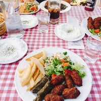 Foto tomada en Müze Dostları Restaurant por Murat L. el 10/21/2016