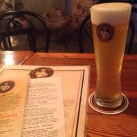 Das Foto wurde bei Pub Escondido, CA von Priscilla D. am 12/11/2014 aufgenommen