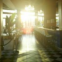 11/10/2012에 Josh님이 Café & Bar Lurcat에서 찍은 사진