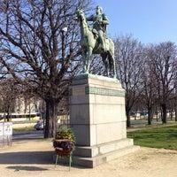 Das Foto wurde bei Simon Bolivar - Equestrian Statues von Андрей D. am 3/8/2014 aufgenommen