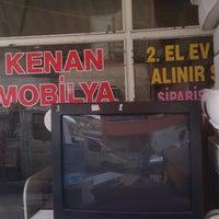 Photo prise au Kenan Mobilya par Semih A. le8/3/2016