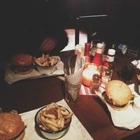 Foto scattata a Lock Tavern da Vera il 1/28/2013