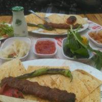 Photo prise au Aboov Kebab par Serkan Ş. le8/31/2016