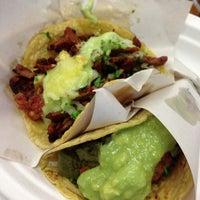 Foto diambil di Los Tacos No.1 oleh L pada 6/16/2013